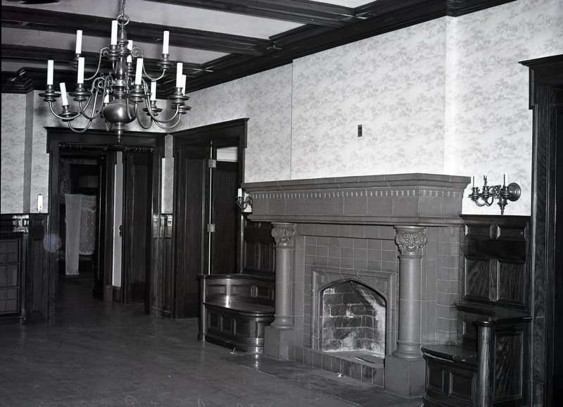 HO290-Powers_Mansion_Chas_G_Powers_Home_Interior_4-21-1939_070.jpg