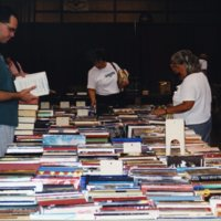 LB972-Friends_booksale-2002-030.jpg
