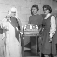 HS137-St_Marys_Hospital_Lakeshore_Dr_New_Equipment_2-22-1961_20190611_0118.jpg