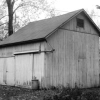 HO396-barn_behind_613_W_Wood_St.jpg