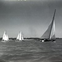 LD57-Lake_Decatur_Sail_Boats_Yacht_Racing_8-25-1946_0041.jpg