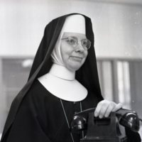 HS76-St_Vincents_Hospital_Sister_Mary_Jerome_12-21-1954_056.jpg