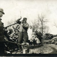 BF146-chopping_wood148.jpg