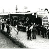 RR58-Illinois_Central_Green_Diamond_passenger_train_5-14-1936_024.jpg