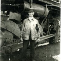 RR26-Swantz_Joseph_roundhouse employee 50 years of service  8-1926222.jpg