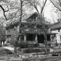 HO397-Houses_860_W_Wood_St_4-14-1946_004.jpg