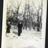 RF132-Gene+Mabel_in_the_snow_c1940193.jpg