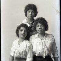 WS544-Hall_sisters-3_young_women134.jpg