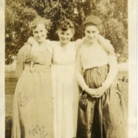 Three Rustic Country Lasses (Lina, Lola, and Lelia Hinton)