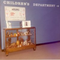LB776-DECATUR_PL, 247 E NORTH ST, DISPLAY-CHILDREN'S DEPT, LATE 1970S111.jpg