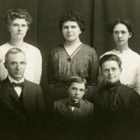 BIO291-NICKEY_DAVID_L_FAMILY, 3-30-1913.jpg