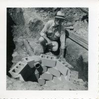 BF275-man_with_cinderblock_hole278.jpg