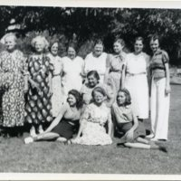 BF10-family_gathering_California_1939_010.jpg