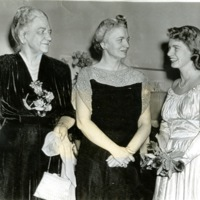BIO46-BARNES_MRS_WILLIAM, SR, (LEFT), 12-21-1941044.jpg