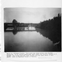 BR25-Illinois_Central_RR_Bridge_Looking_Downstream.jpg