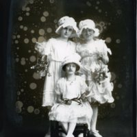BS277-Wasson_Studios-flower_girls_for_Stengel_wedding-6-24-1920.jpg