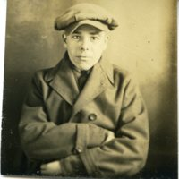 RF28-unknown_man_with_hat027.jpg