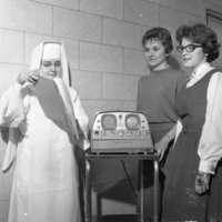 HS138-St_Marys_Hospital_Lakeshore_Dr_New_Equipment_2-22-1961_20190611_0119.jpg