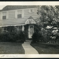 RF44-1985_W_Forest-front_of_the_house-1932183.jpg