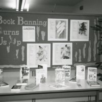 LB989-banned_books_display001.jpg