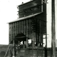 RR39-Wabash wooden coaling tower at Jasper St Decatur IL261.jpg