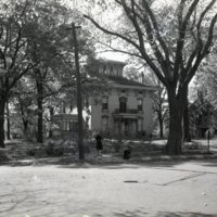HO319-Houses_W_Decatur-&-Union_Sts_Orlando_Powers_House_10-20-1945_0007.jpg