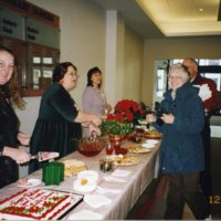 LB965-holiday_open_house-2002_023.jpg