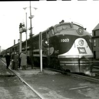 RR120-Wabash RR EMD model E-8-A- engine 1007 on the Bluebird train at Decatur Il  03-09-1952  012.jpg