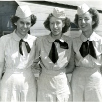 AF810-WWII_WITTS, BETTY MARIE, (CENTER), 7-3-1945.jpg